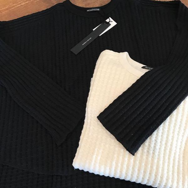 ..new item..袖が長くて可愛い..シンプルだけど表情があって良い感じ...