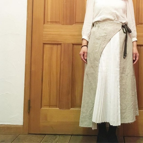 *antgaugeのスカートのご紹介です。**異素材を組み合わせたデザイン!**
