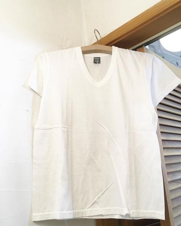 *VネックTシャツ入荷しました。**