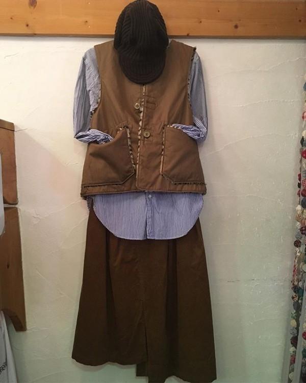 *new item♪***リバーシブルのベストとコーディロイのスカートのご紹介です。***