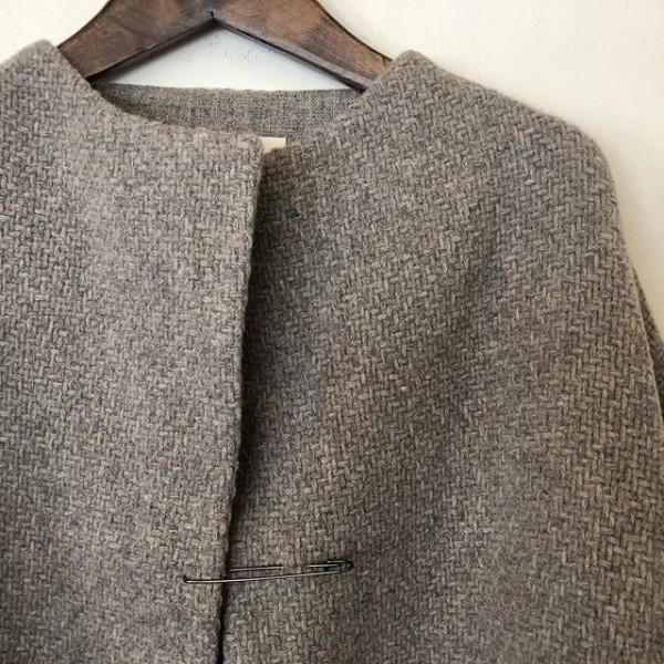 *new item***装飾的な織柄のショートコートとローブコート** *