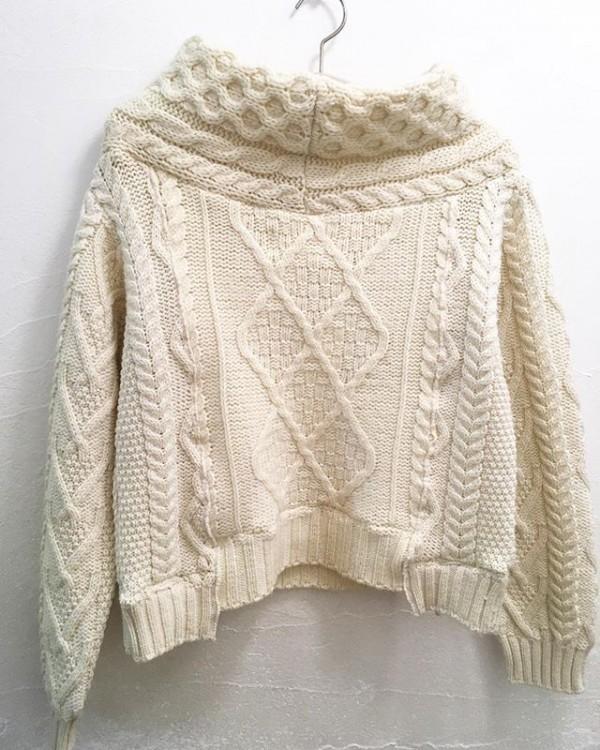 *new item♪***前後に着れるリメイクのフィッシャーマンsweater**ついついデニムやカーゴパンツに合わせたくなります。ロングスカート…?何でもいけますね。**