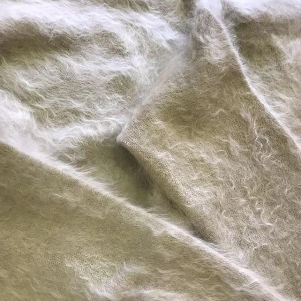 .こちらもenricaより..カシミア100%のニットが入荷しています。..滑らかな肌触り色合い、サイズ感が抜群です。..ぜひご覧ください。..