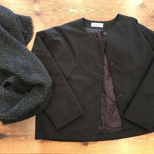 .evamevaからショートジャケットが入荷しました。..スカートでもパンツでも。..