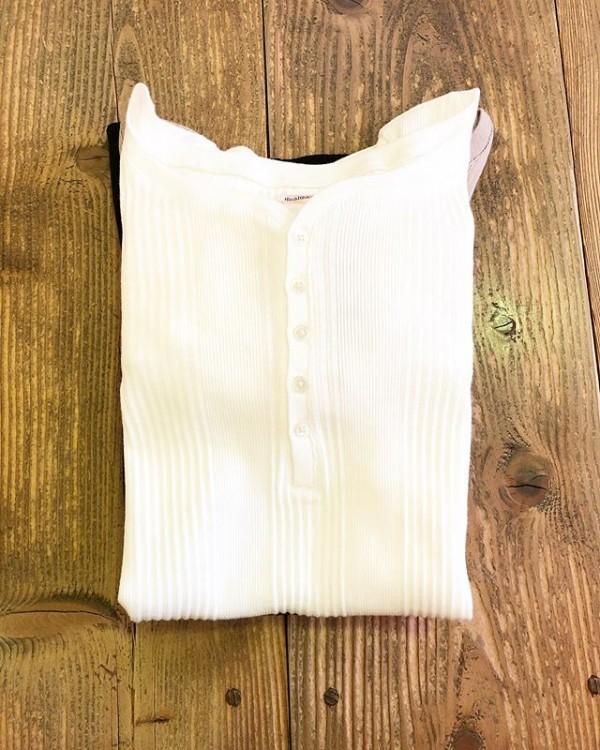 *newitem♪**healthknitのヘンリーTシャツ裾がroundしていて、軍パンに合わせたいです。**