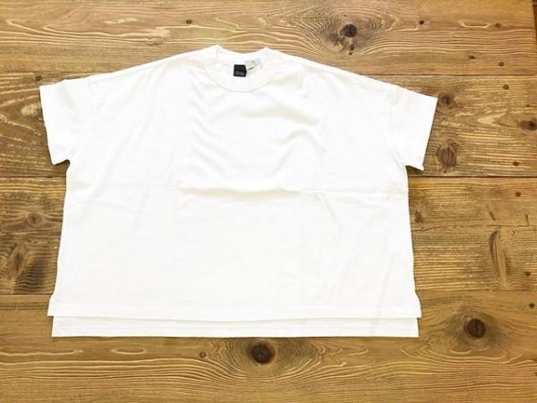 *new item♪...ドロップショルダーのTシャツが入荷しました。..シンプルだけど合わせやすい。..