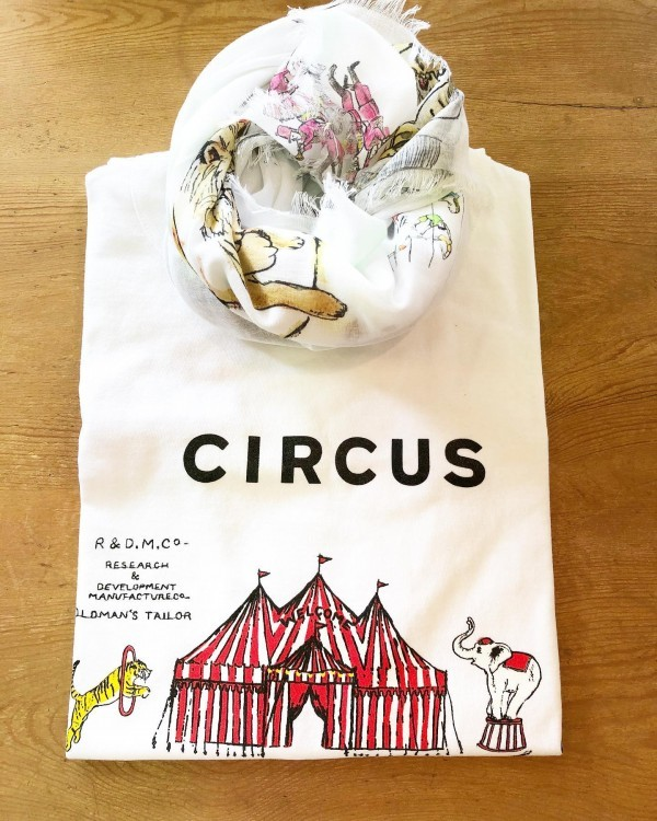 *new item☆..circus T shirt ♪...tops ¥11000+tax stole ¥9800+tax..