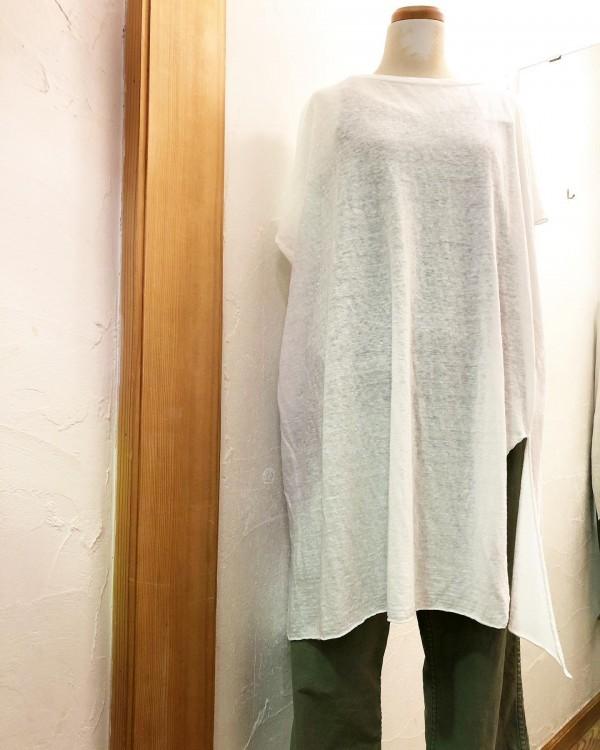 *new item☆..リネンのトップス軽くて涼しいアシンメトリーのデザインは動きがあります。...