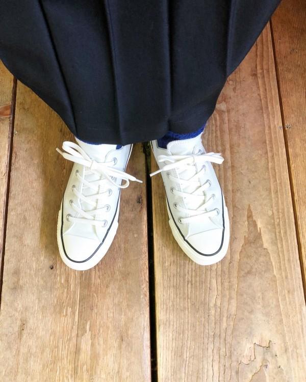 *Lenoのソックス入荷!..ギャルソンのスカートにconverse定番な組み合わせ!..
