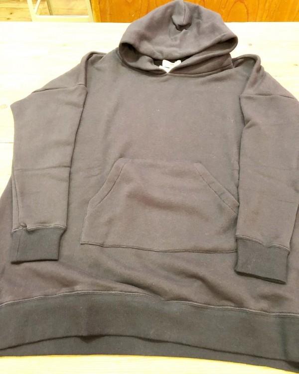 soilのガーゼスウェット軽くて柔らかいサイズもゆるっとしてる袖はすっきりです。**