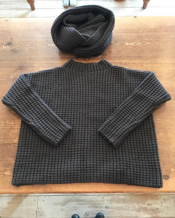 **New items*Evam Eva から畦編みのニットとスヌードが入荷しました。*ざっくり品良く暖まりましょう♡**