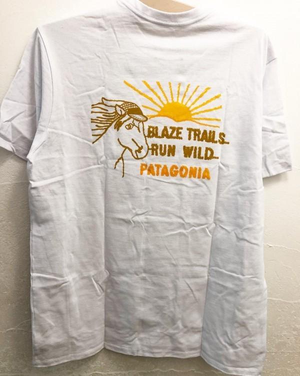 *new item♪***バックプリントが印象に残るT shirt入荷しました。***