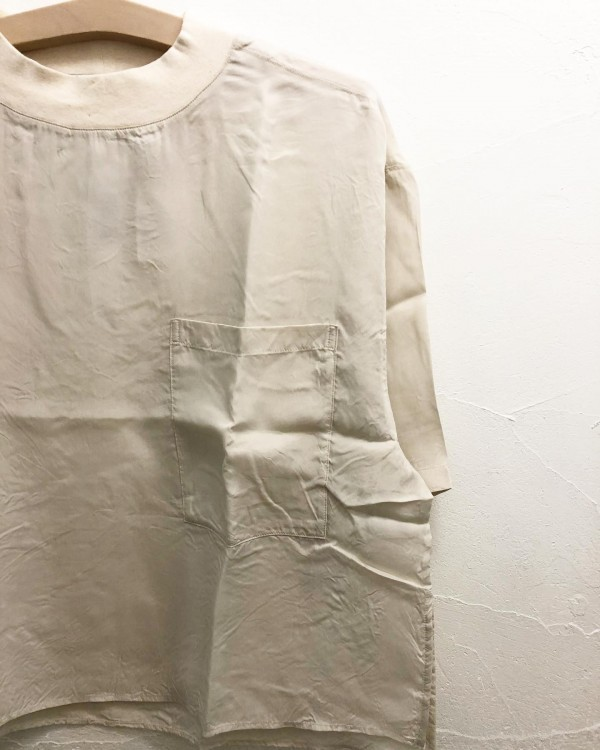*トロンとしたシャツが入荷♪**洗える素材なので夏には最適です。**落ち感も良い!**Cupra 100%***price ¥13000***