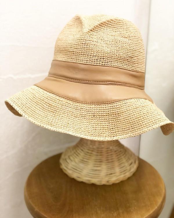 *new item♪..ラフィアの帽子が入荷!日差しカットにはやっぱり帽子が必要です。.